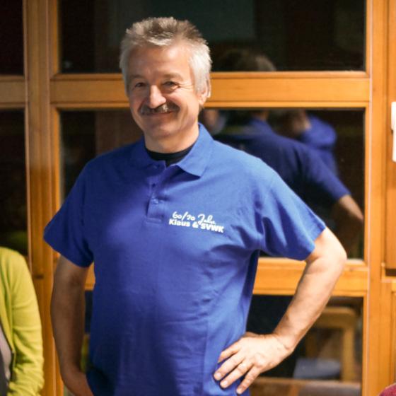 Klaus im Jubiläums-Shirt