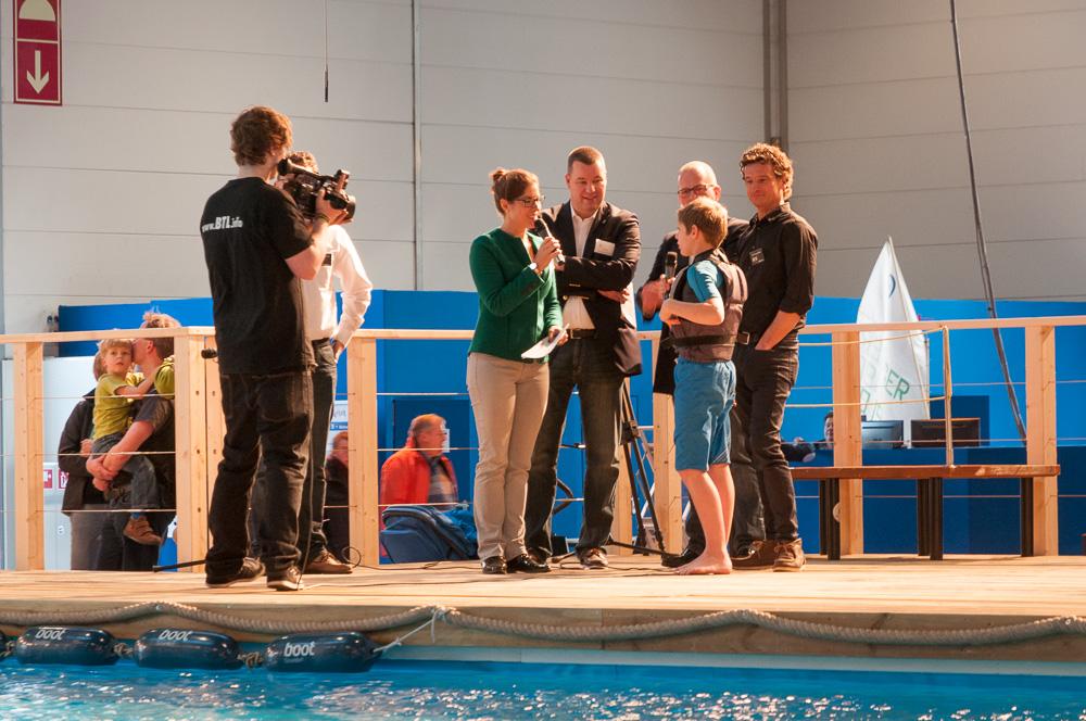 Interview von Frau Anne Stadtfeld (Travemünder Woche) mit Jonathan, Nils und Christian Brandt (Onsail)